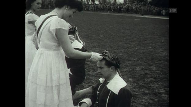 Video «Ein Osterbrauch (Schweizer Filmwochenschau, 23.4.1954)» abspielen