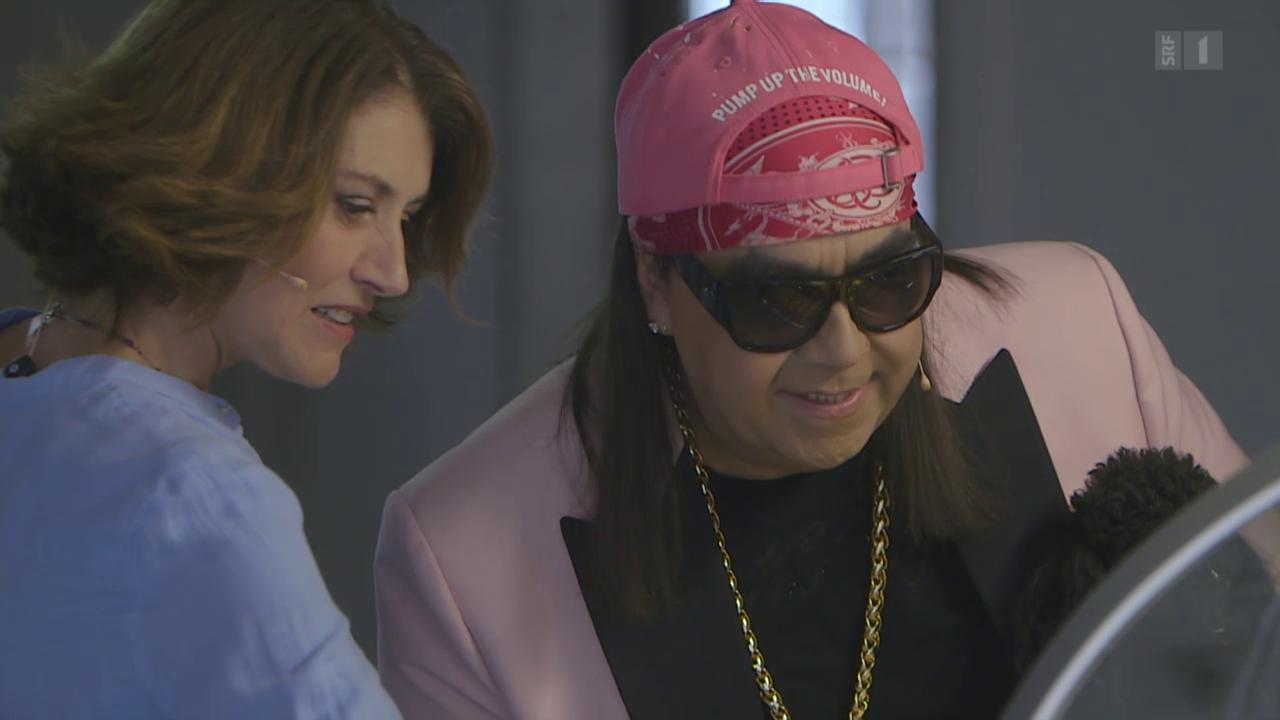 Sängerin Sina trifft TV-Wahrsager Mike Shiva