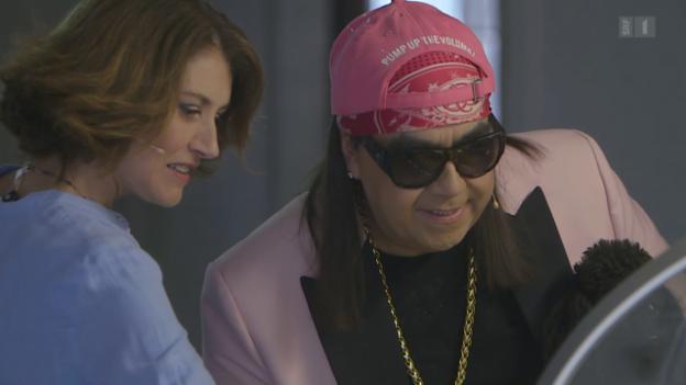 Video «Sängerin Sina trifft TV-Wahrsager Mike Shiva» abspielen
